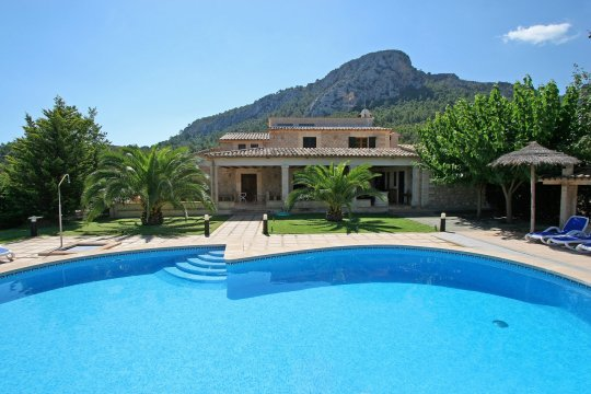 Take a look through our collection of idyllic 'Villas in Mallorca' on this beautiful island.a